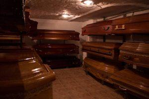 Mahoniowe trumny warszawa elegia zakład pogrzebowy